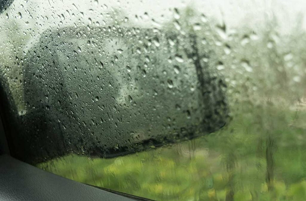 Tips for Dealing with a Foggy Windshield